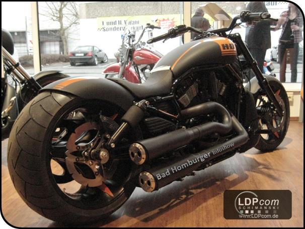 Ansprechende Harley-Davidson Maschinen schmücken den ganzen Showroom