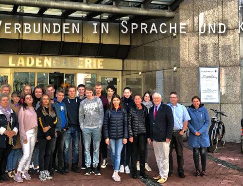 Schulklasse aus Peterhof in Bad Homburg zu Gast