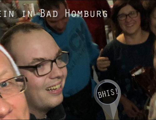 Politiker packen Päckchen für Menschen in Bad Homburg